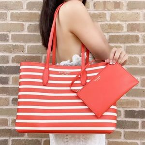 NWT Kate Spade ♠️ Large Tote + Pouch